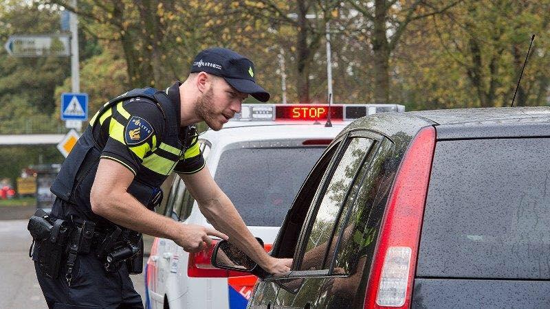 Politie haalt helers van de weg