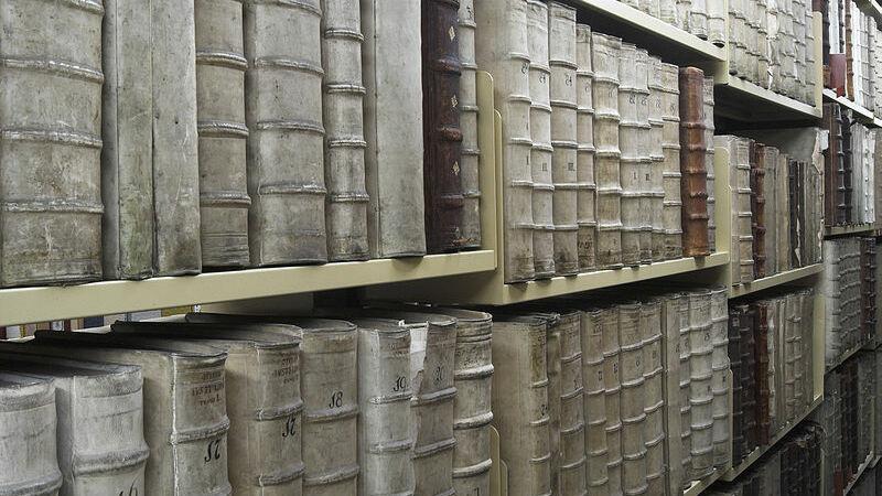 Bibliotheek Gorinchem blaast 100 kaarsjes uit