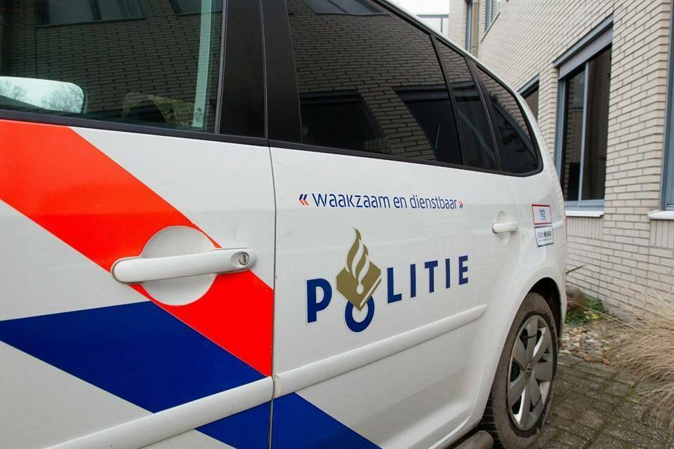 Politie neemt in auto beslag