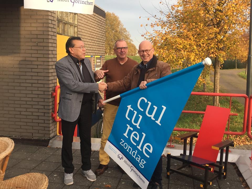Wethouder Van Zanten overhandigde nieuwe vlag Culturele Zondag