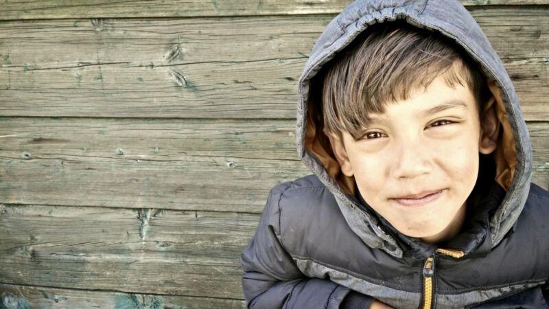 PostNL en Stichting Jarige Job willen ook kinderen in armoede een cadeautje brengen