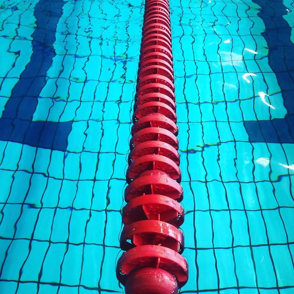 Caribabad gaat tegelvloer vervangen van wedstrijdbad