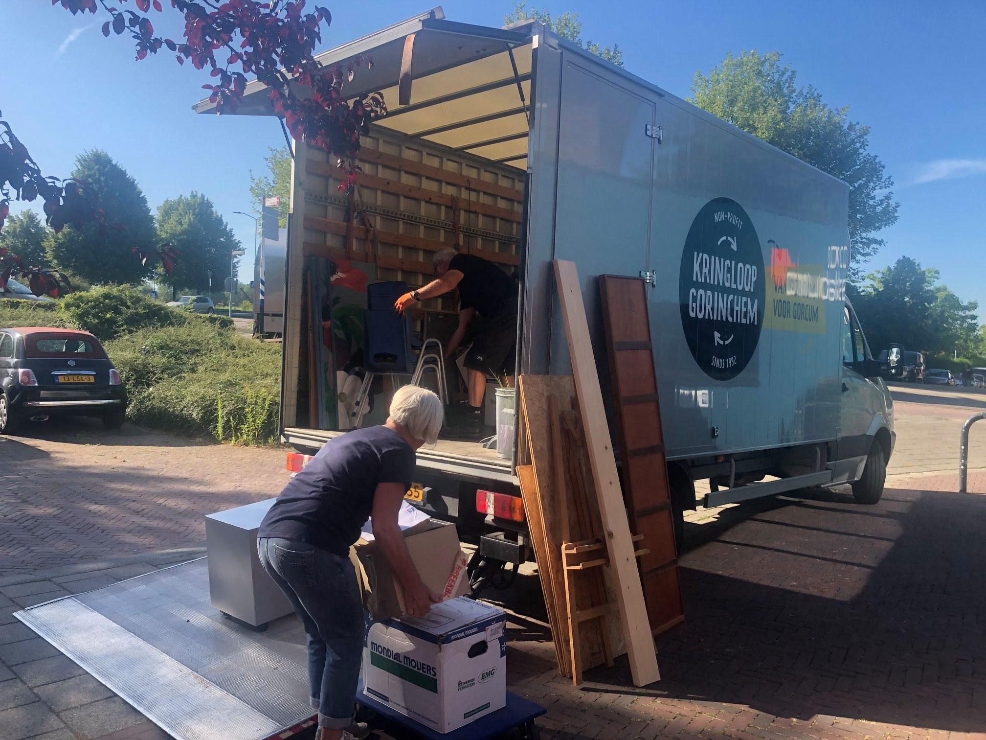 Kringloop Gorinchem verhuisde belangeloos de Blauwe Anemoon
