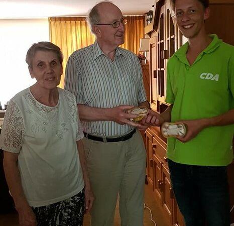 CDA deelt ijsjes uit aan de bewoners van Kromme Akkers