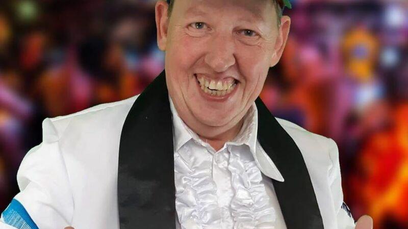 Andre Pronk lanceert Carnavalsingle in cafe de Mop
