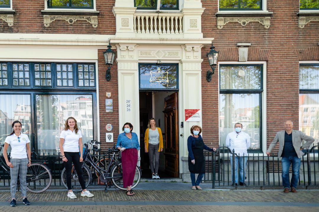 Actie Rotaryclub Gorinchem met jeugdclub Gratis maaltijden voor Voedselbank