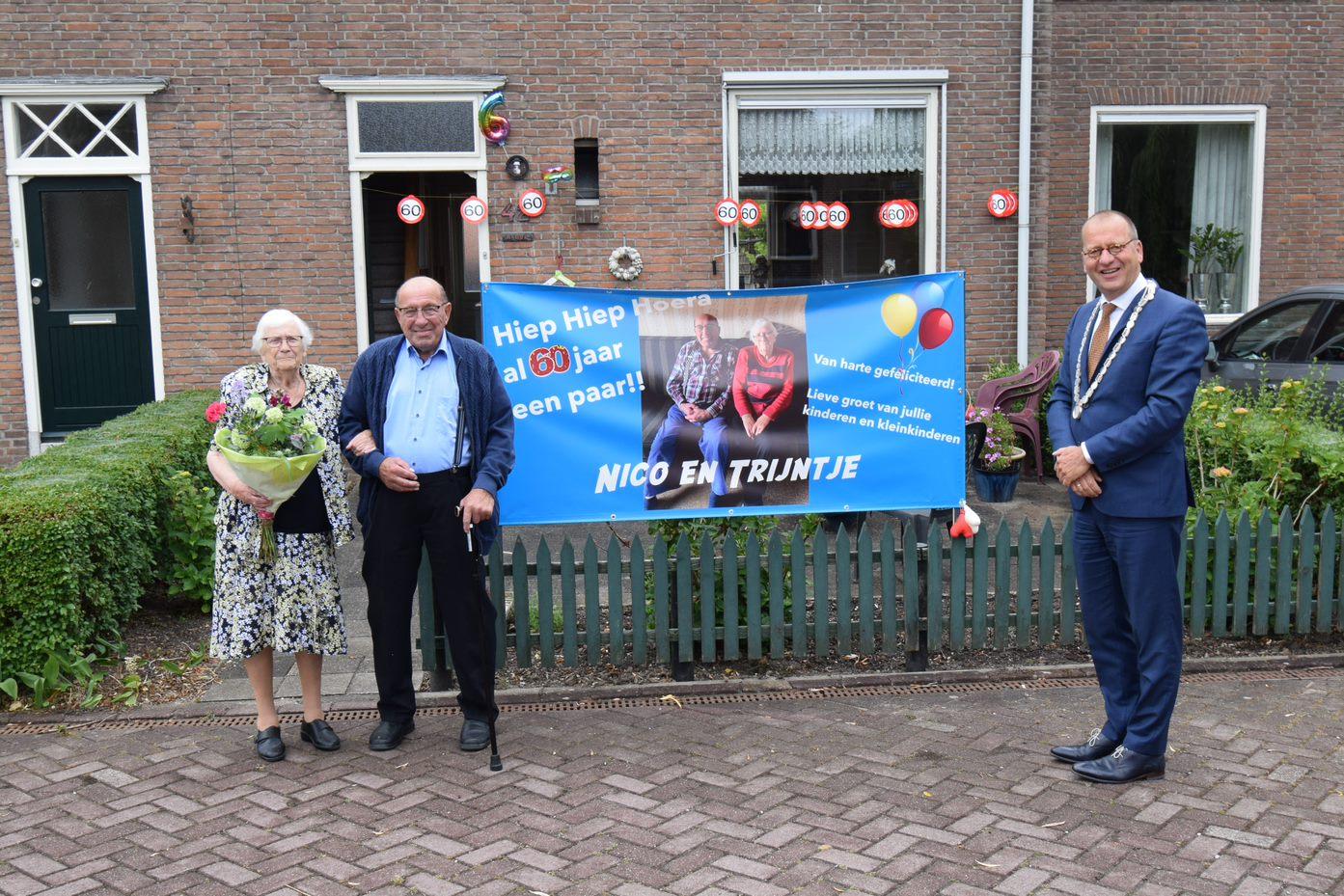 Burgemeester Segers feliciteert echtpaar met 60 jarige huwelijk