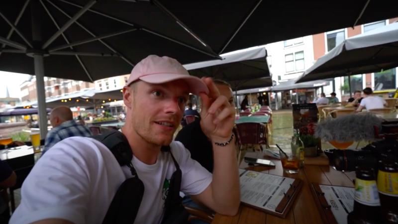 Youtuber Enzo Knol brengt opnieuw een bezoekt aan Gorinchem