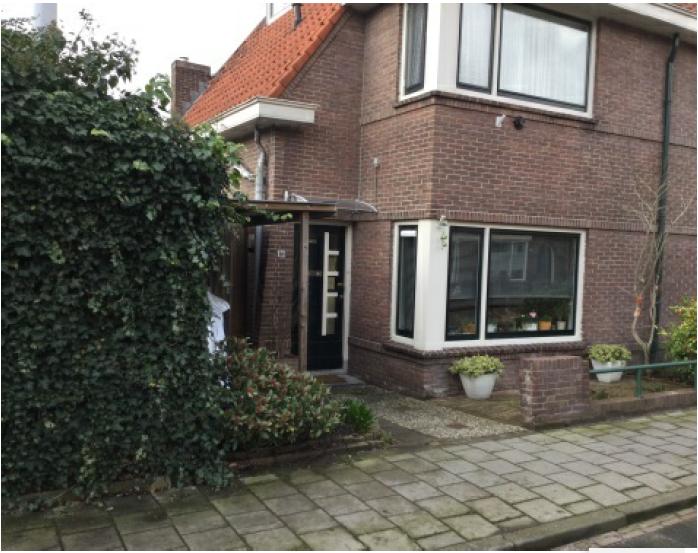 Vanaf de bank binnenkijken bij een duurzaam Gorinchems huis