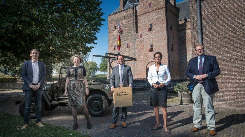 Cultuur onder vuur geopend op Loevestein door voorzitter Unesco commissie