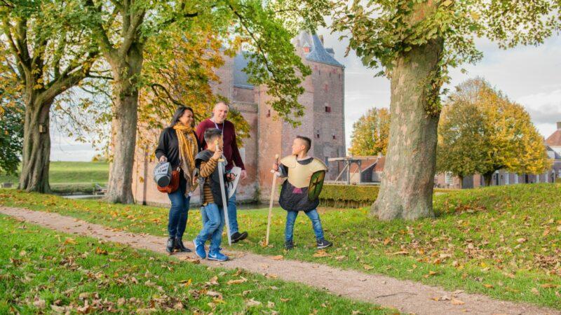 Deze herfstvakantie '75 of toch 400 jaar vrijheid' op Loevestein