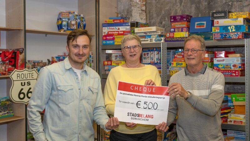 Speelgoedbank krijgt €500,- voor cadeautjes voor de feestdagen